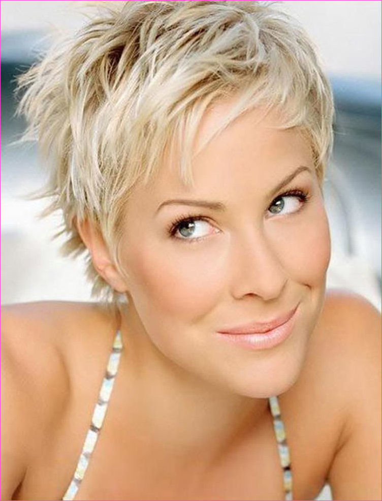 Trendy Short Pixie Haircuts for Women 2018-2019