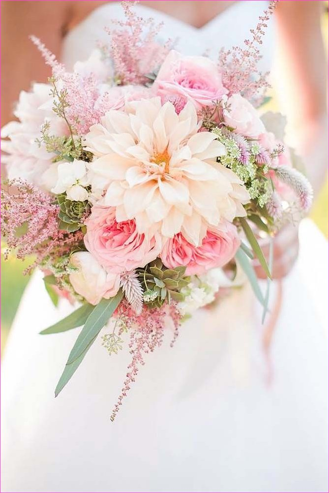 42 Soft Pink Wedding Bouquets To Fall In Love With | Wedding flowers