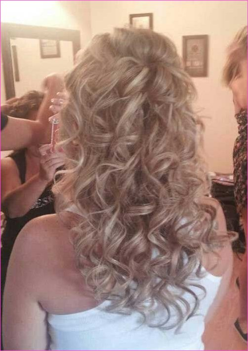 Curly Half Down Hairdo for Wedding Idea | FORMAL HAIRSTYLES