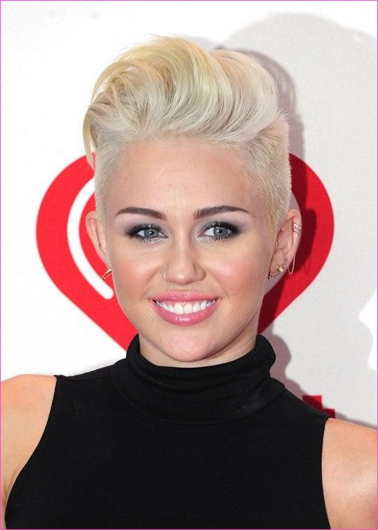 80 Popular Short Hairstyles for Women 2019 in 2019